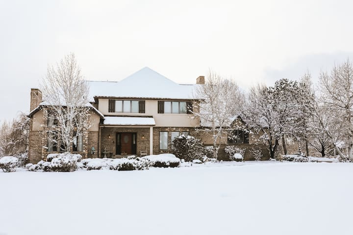Charming estate on 4 private acres, sleeps 25+