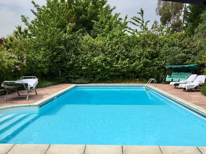 Lincolnshire Paradise With  Heated Swimming Pool