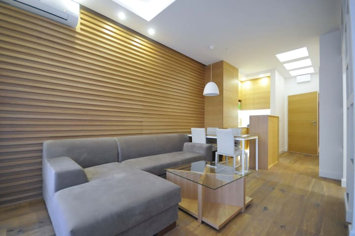 Modern one bedroom apartment in the centre #402 - Budva - Apartment