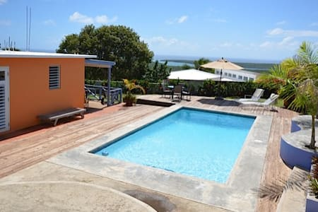 Relaxing 1BR Vieques Island House - Puerto Ferro - 独立屋