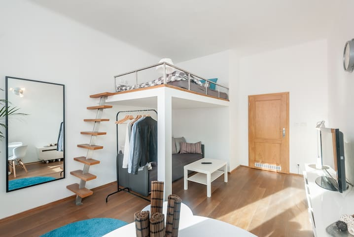 Cozy studio, 10 mins from the city center