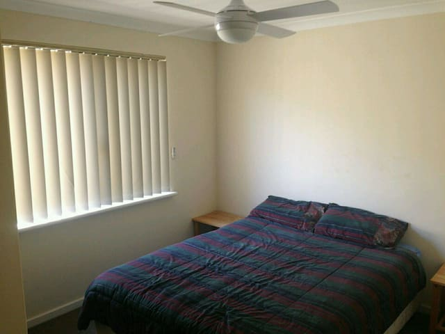 Long term room for rent! - Nollamara