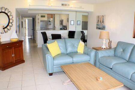 Great Ocean view 3 bedroom condo still open for prime summer weeks - Colony Reef Club 3205 - Butler Beach