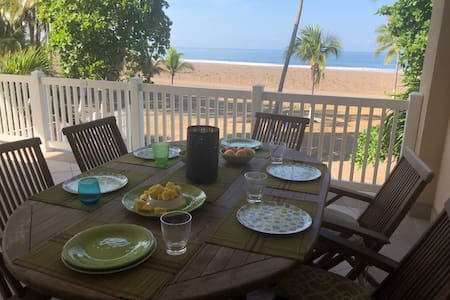 Sublime Beach Front in JACO, upscale sleeps 5