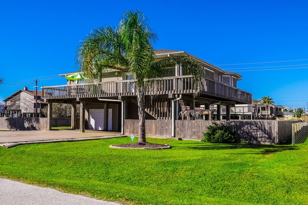 Gorgeous, two story beach house!!!