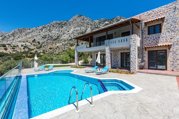 Villa Asigonia Traditional Cretan style villa