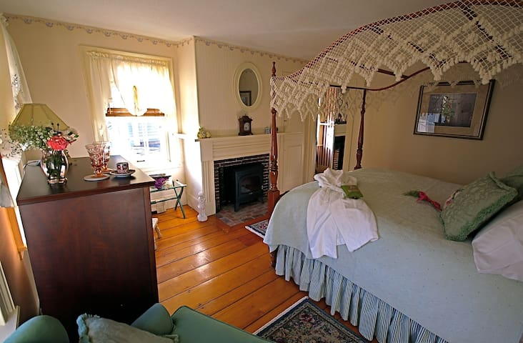 Federal House Inn, Federal Suite, 2Bed2 private Ba - Plymouth - Bed & Breakfast