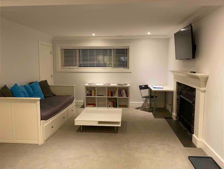 Convenient 1 bdrm suite-Coquitlam-no quarantine