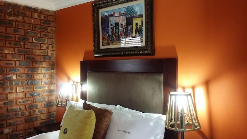 Kwa Mkhabele Lodge Ndida Self Catering unit - Johannesburg South - Guesthouse