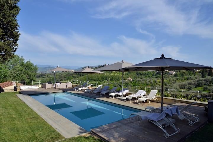 luxury villa &pool