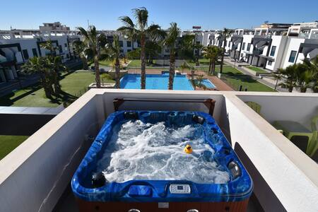 Oasis Beach VI N° 140 south pool jacuzzi, La Zenia