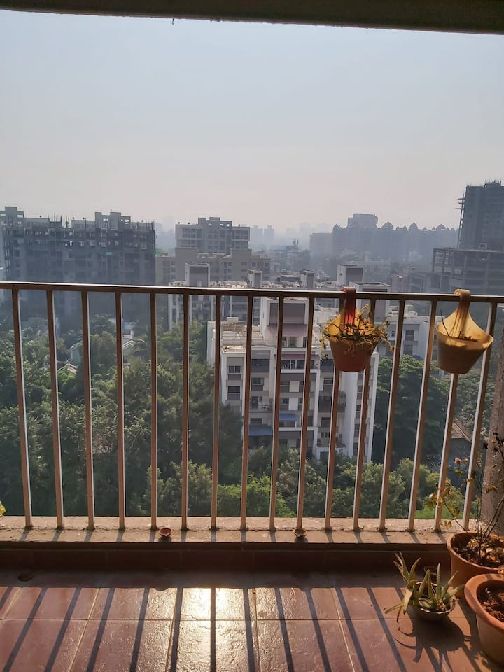 12th floor private room in en elegant shared flat