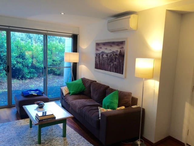 Quiet bedroom in a lovely 2x1 unit close to town - Margaret River - House