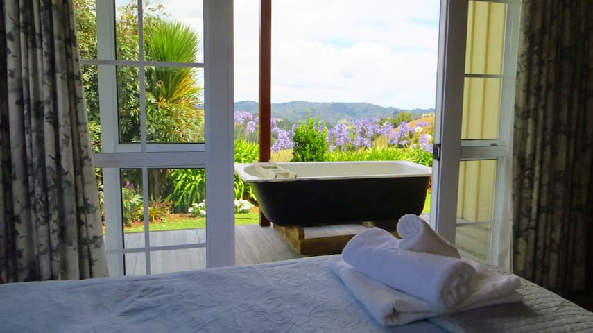 Kiwi farm stay with a view - Kawakawa - Дом