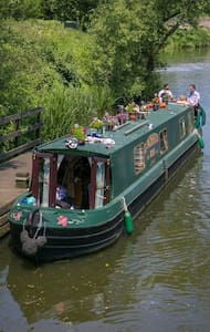 The Enchanted Rose 60ft narrow boat - East Farleigh - ボート