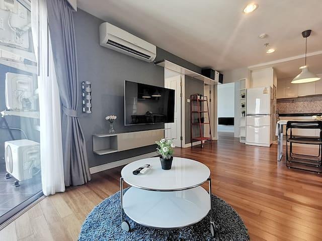 37 FL WARM HOUSE LUXURY:2BR /MRT /POOL