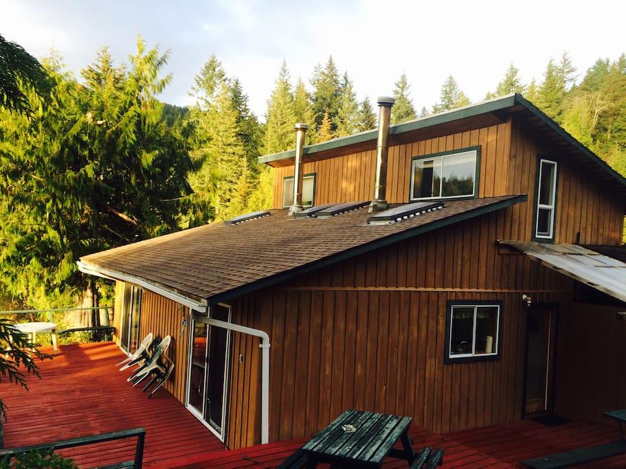 Duplex. Each unit has 2 bedrooms