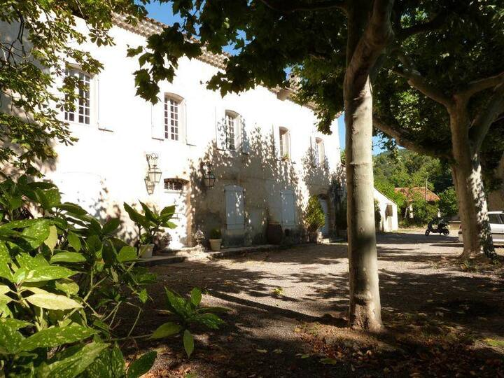 Bastide provençale, 2 bedrooms appartment