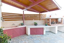 Facililities for your outdoor grilling pleasure...
