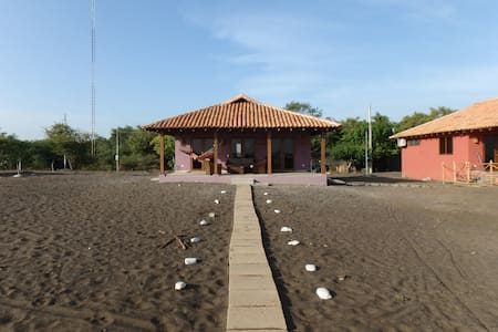 Playa Tesoro 35: Purple Casita @ Turtle Island - Salinas Grandes - 独立屋