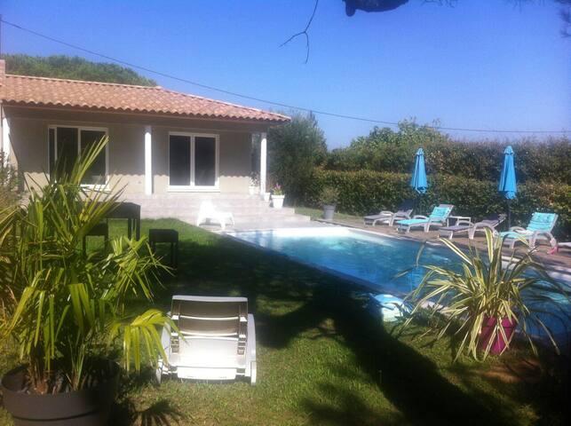 Jolie villa au ❤ des côtes du rhone - Connaux, Occitanie, FR - Villa