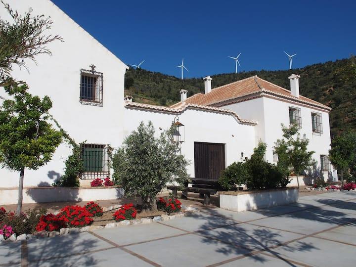 Cortijo Sancardo en pueblo Alpujarreño