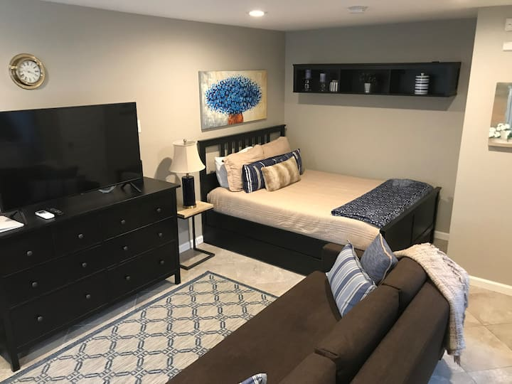 Cottage Studio, WiFi, Kitchen, HVAC, Travelers