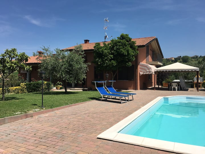 Villa with swimming pool 10km far from Rimini