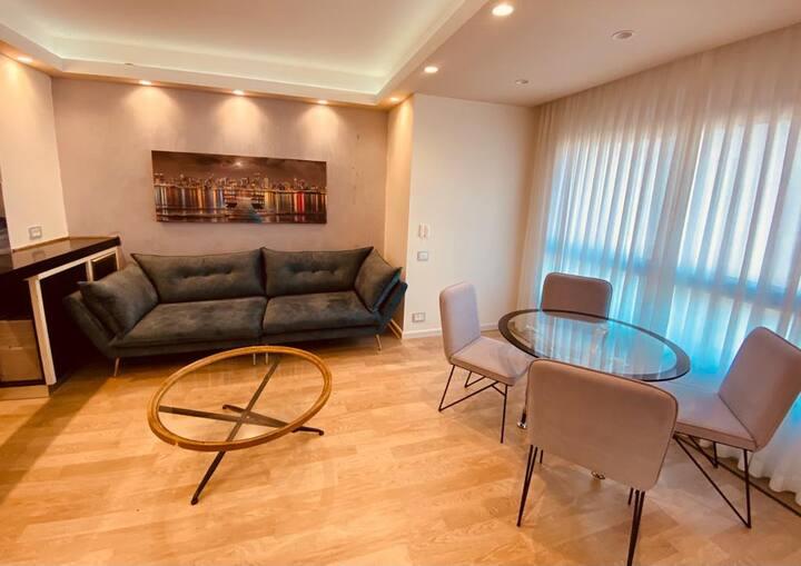 דירת אירוח מעוצבת במלון לאונרדו פלאזה (עם נוף לים)