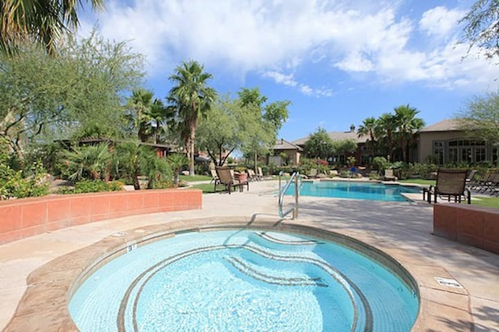 Resort style 1 Bedroom apartment - Phoenix - Apartment