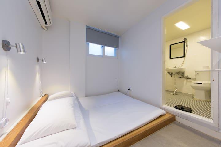 Bingo hostel / 提供入境隔離- 103