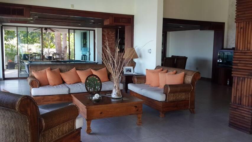 Villa Adonai