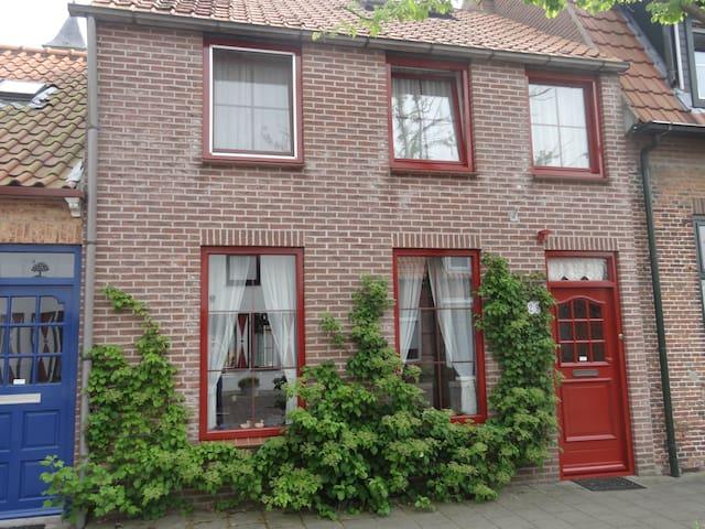 Groot, comfortabel vakantiehuis - Nieuwvliet