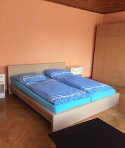 3.BIG  SUNNY ROOM IN  PRAGUE FOR 4 PEOPLE
