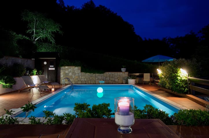 Villa La Luna Cottage 6 pax with pool, near 5Terre