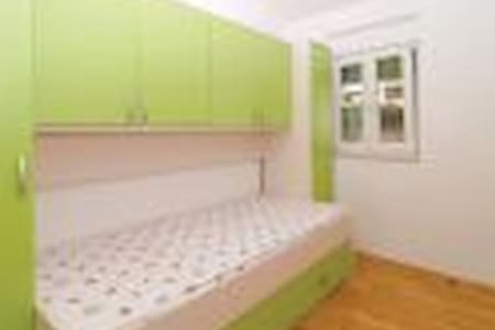 family frendly apartman - Kaštel Gomilica