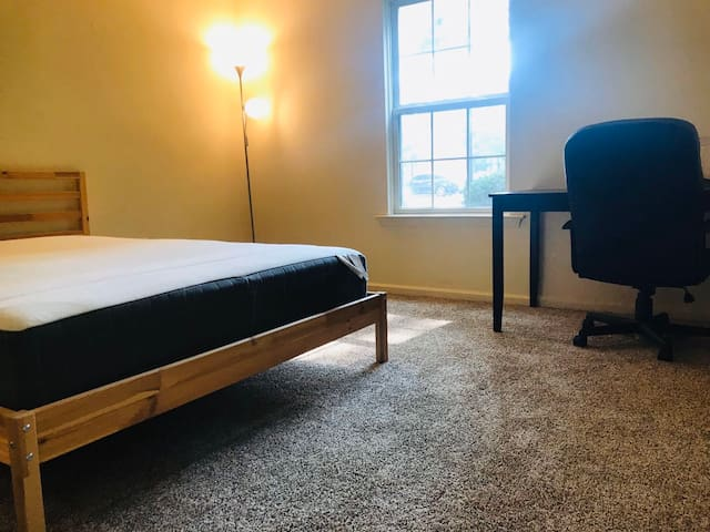 Delaware/Philadelphia/Newark 1b1b new apt close UD