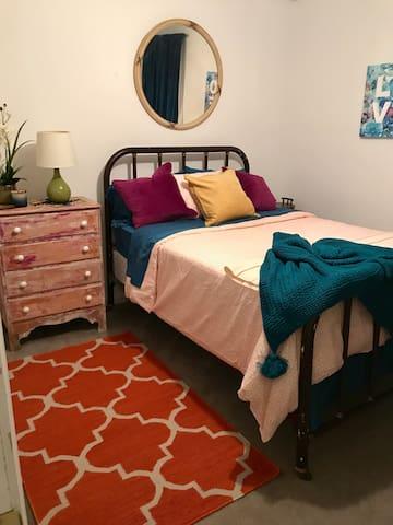 Cozy Boho Chic bedroom, queen size mattress