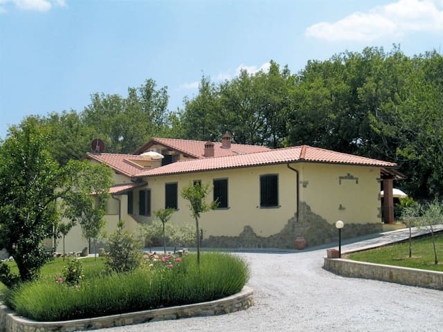 Apartment Podere Le Muricce for 5 persons