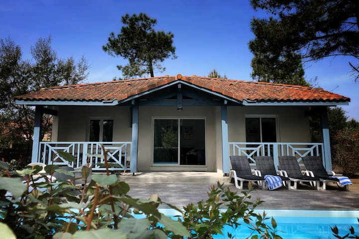 Fantastic private villa, heated pool, near beach