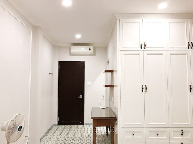 SALE 20% lovely space located near TSN airport