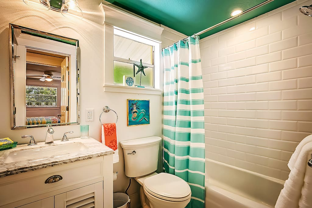 Sun Cottage Bathroom