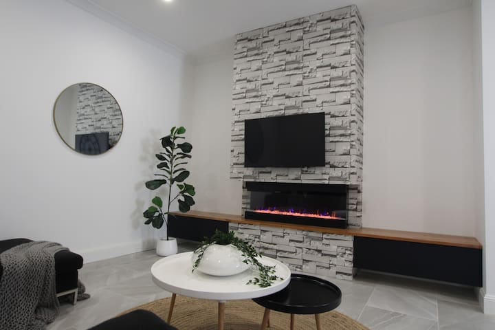 Fully renovated 2 bedroom house in Plympton.