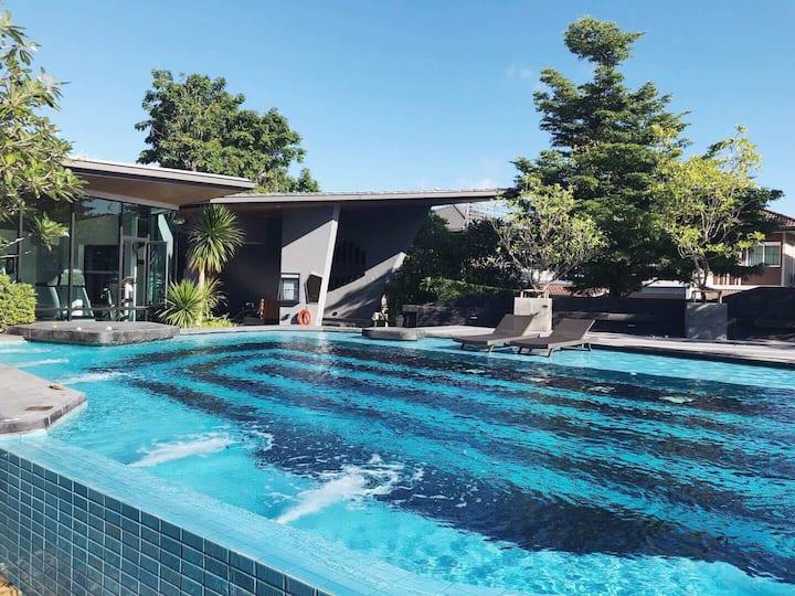 普吉四卧室泳池别墅 可做饭 4Bed Room Private house in phuket