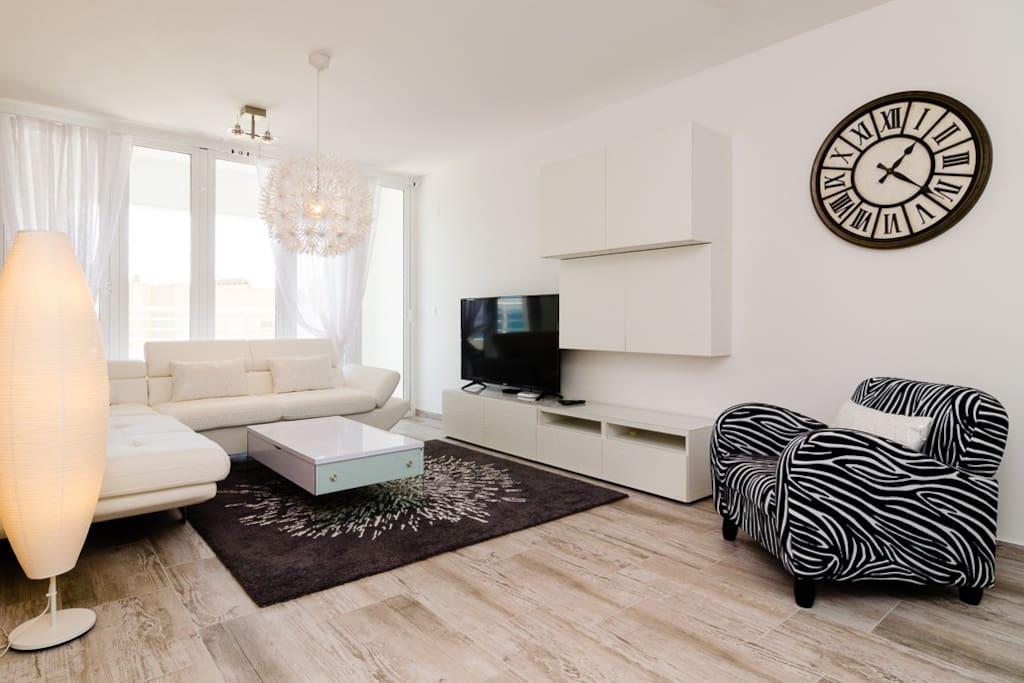 Top 100 Airbnb Rentals 2017 in Benidorm, Spain