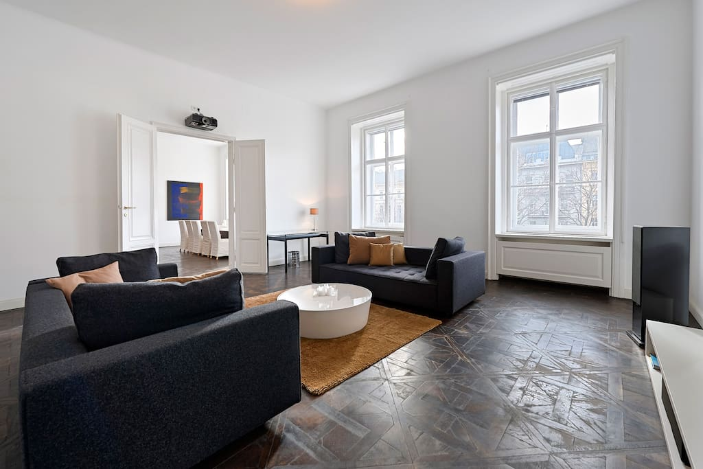 Luxury apartment in vienna city apartments for rent in for Designer apartment vienna