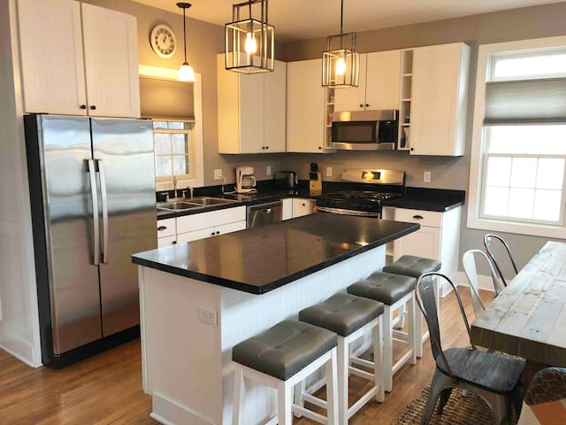 Full Furnished Kitchen on Main Level