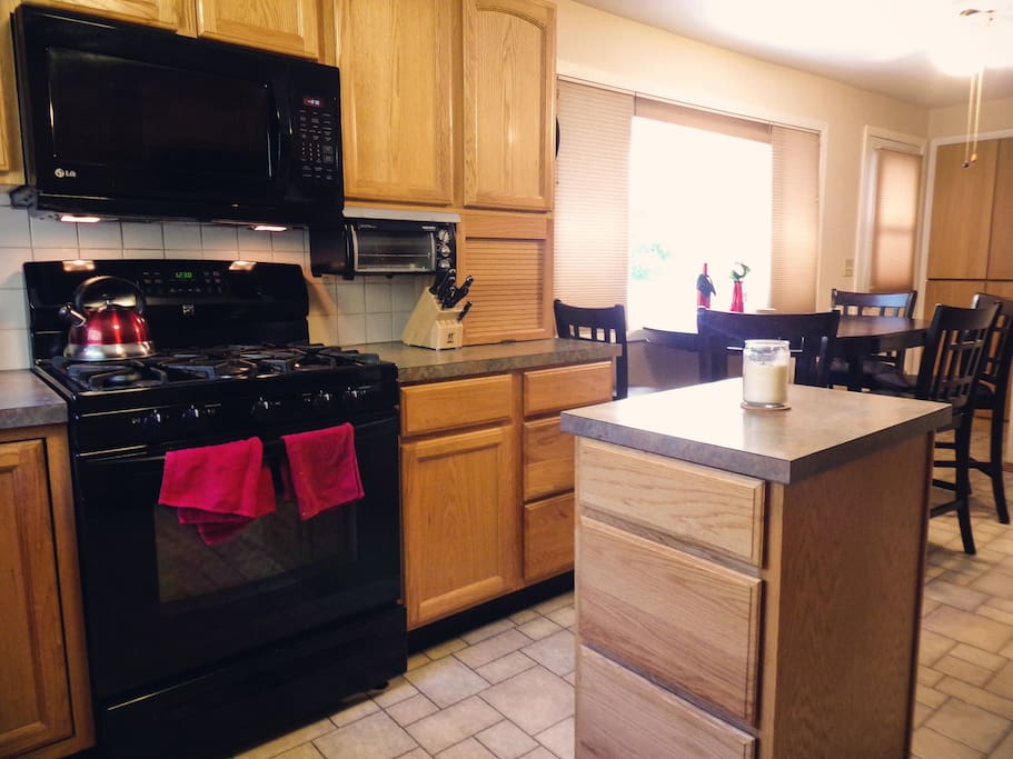 Classic, fully appointed kitchen