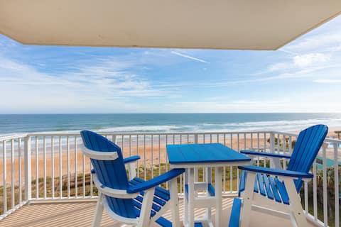 Gorgeous,  direct oceanfront 2 bedroom condo.