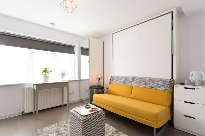 Self-contained studio - Woodford - Appartement